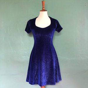 Dresses & Skirts - 90's deep blue/purple stretch velvet mini dress
